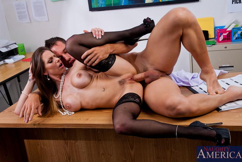Секс в офисе ролики бесплатно